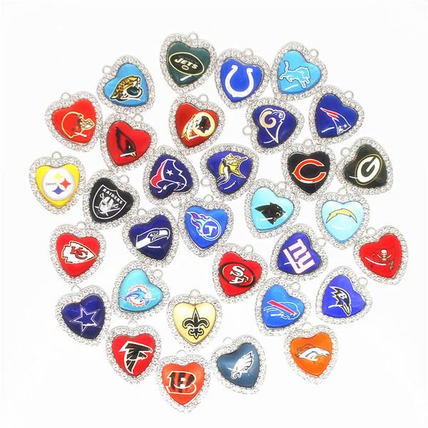 Mix 32 Futbol Spor Dangle Charms Cam Kristal Kalp Charms DIY Bilezik Kolye Kolye Takı Asılı Yüzer Charms
