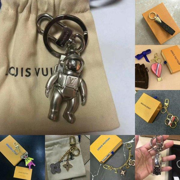 Hochwertiger Luxus Keychain Kreis-Art- und Weiseauto Keychains Edelstahl-Entwerfer Keychain für Geschenke mit Kasten geben Arten des Verschiffens 8 frei