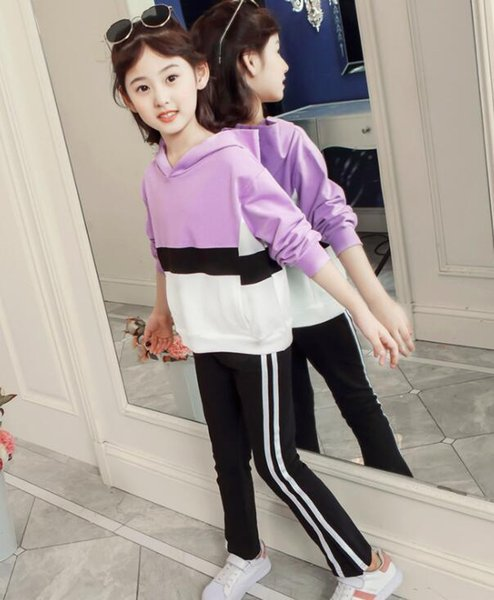 Two Kids'Fashionable Occidental Sports Suits in the Korean Spring and Autumn Festival of the New Kids' Clothes of 2019