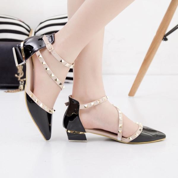 Schwarz Low-Heels