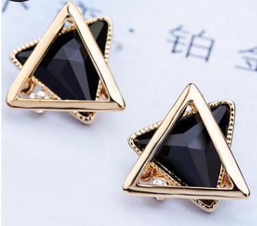 üçgen siyah