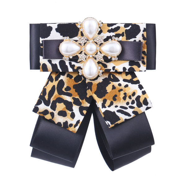 Fashion leopard bow brooch exaggerated retro collar flower large pearl brooch bow tie