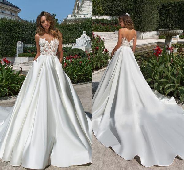Latest Hot Sale Lace Wedding Dresses A-line Appliques Sleeveless Sweep Train Bridal Gowns Plus Size Beach Satin Wedding Dress