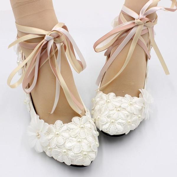 Nouveau design 2019 blanc dentelle ivoire perle chaussures de mariage mariée cheville sangles de satin de couleur talon 5CM dames fête pompes de danse