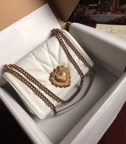 2019 Nuovo stile Romantic Love Pelle a forma di cuore Signora Alta qualità più colore Catena monospalla Tote messenger donna Borsa in pelle di pecora 21 cm