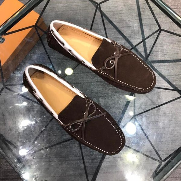 2019 Fashion Luxury designers Men bees embroidery Dress Shoes Male Groom Slip on Flat Driving Shoes wedding Homecoming sheos L55