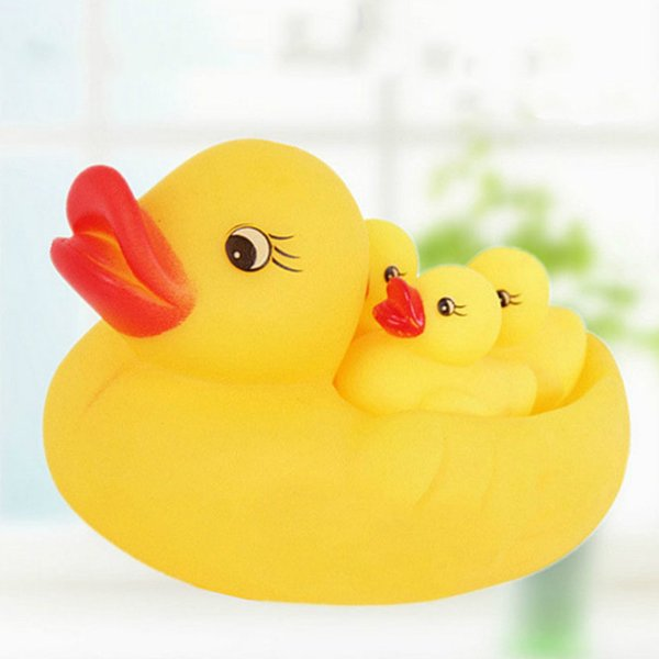 U-miss Cute Lovely Mummy and Baby Rubber Race Squeaky Ducks Family Bath Toy Kid Game Toys 1 Big 3 Small Duck Taking Shower Toy