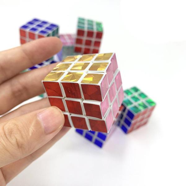 Yeni Boys Mini Parmak Hız Küp Renkli Stickerless Parmak Sihirli Küp 3x3x3 Bulmacalar Oyuncaklar toptan D-FantiX Cyclone oyuncaklar
