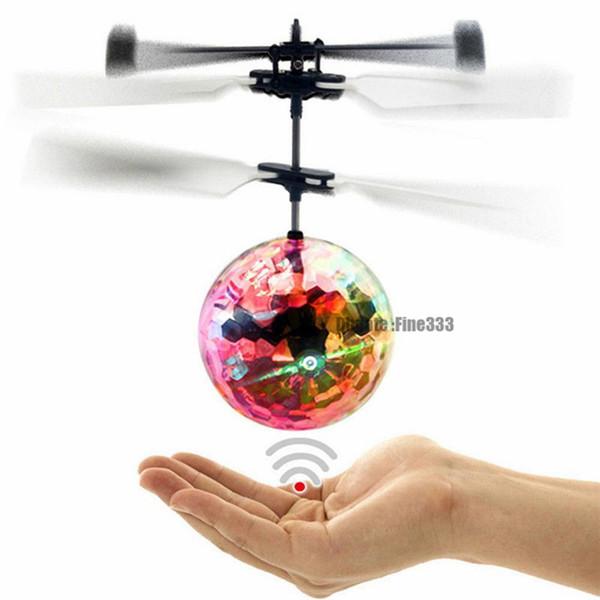 Palla in volo LED luminosi Kid volo Balls elettronico a infrarossi Aircraft induzione telecomando dell'elicottero Giocattoli di magia Sensing