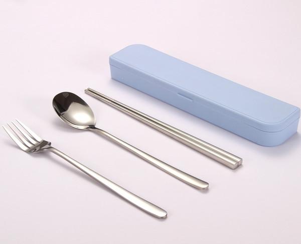 B4 (solo palillos cuchara tenedor)