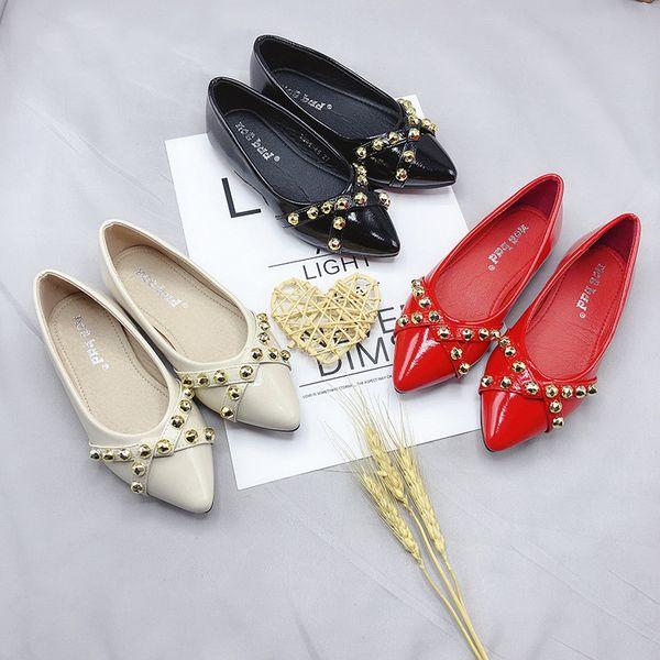 Runway Girls Rivet Shoes 2019 New Beige Red Black Kids Girl Elegant Leather Flat Shoes for Party Princess Children Wedding Shoes Size 27-34