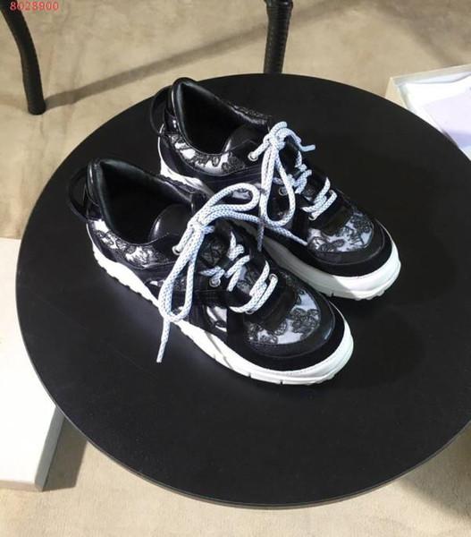 Chaussures de sport élégantes avec tige classique à paillettes, tissu en maille et fond doux confortable en filet à ressort