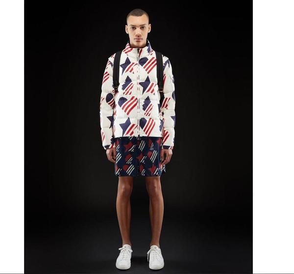 La fábrica de Canadá vende una nueva chaqueta de plumón para hombre de estilo corto con rayas de estrellas de cinco puntas engrosadas en otoño e invierno de 2019