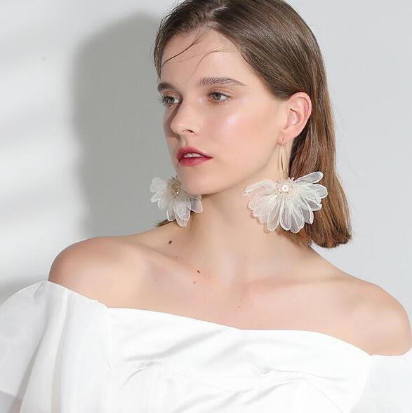 Spring new vacationing wind cloth big petal earring flower earring Korean fashion Organza rhinestone ear jewelry