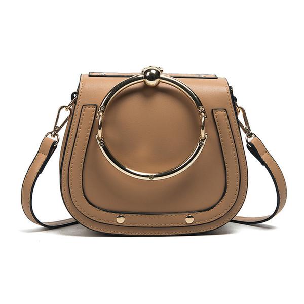 갈색 핸드백