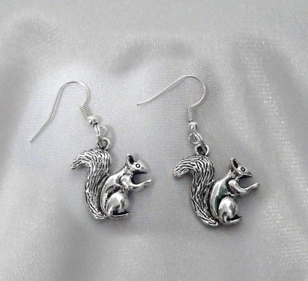 Fashion 50 Pair Squirrel Small Animals Tibetan Silver Dangle Earrings For Women Jewelry Party Drop Friendship Gift Charms Accessories