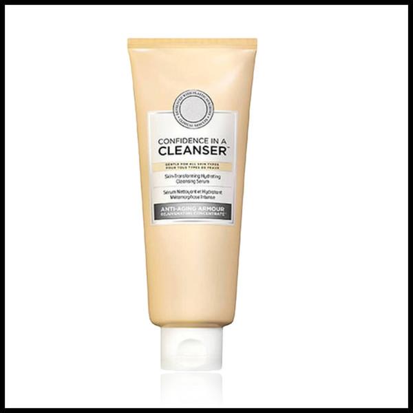 La confiance dans un nettoyant de peau-Transforming Hydratant Sérum nettoyage grand nombre de mises en peau avec confiance pour toute la peau