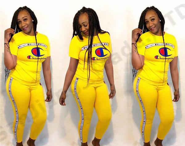 Tuta estiva manica corta da donna Champions T-shirt stampata con stampa pantaloni + pantaloni Abiti firmati 2 pezzi Short Sportswear Tuta sportiva A362