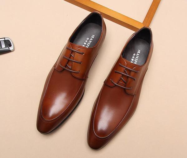 Designer Brand Men Dress Scarpe in pelle di lusso Realizzato a mano in vera pelle Fibbia Strap maschio British gentleman Party Wedding Flats Immagini reali
