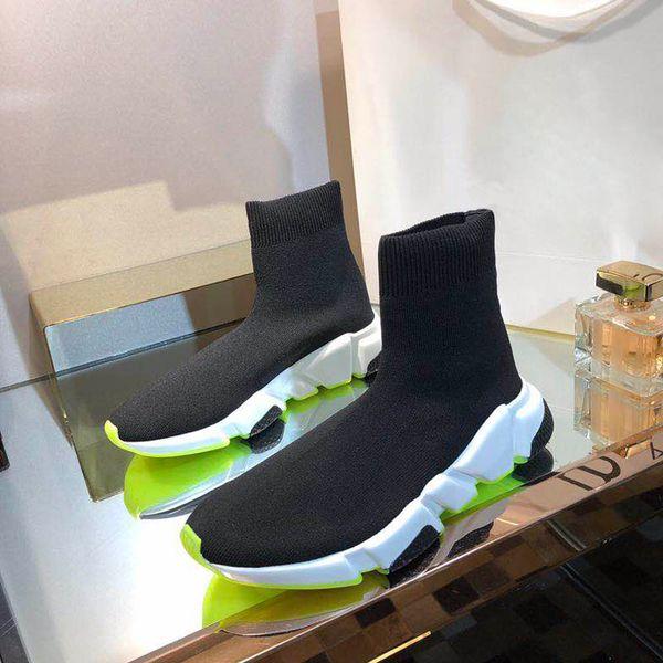 Hot Designer Vente-Cheap femmes mode vitesse formateur chaussettes Bottes noir blanc bleu rouge paillettes mens plates Tennis Sneakers Runner Souliers simple
