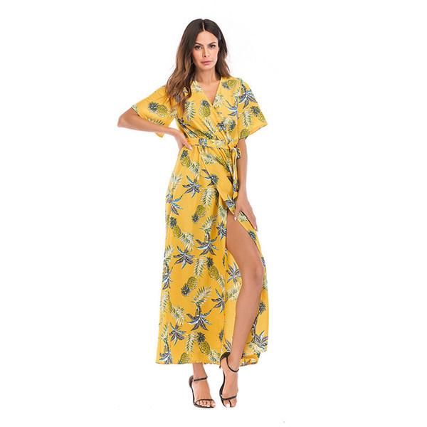 flor de la piña con el fondo amarillo