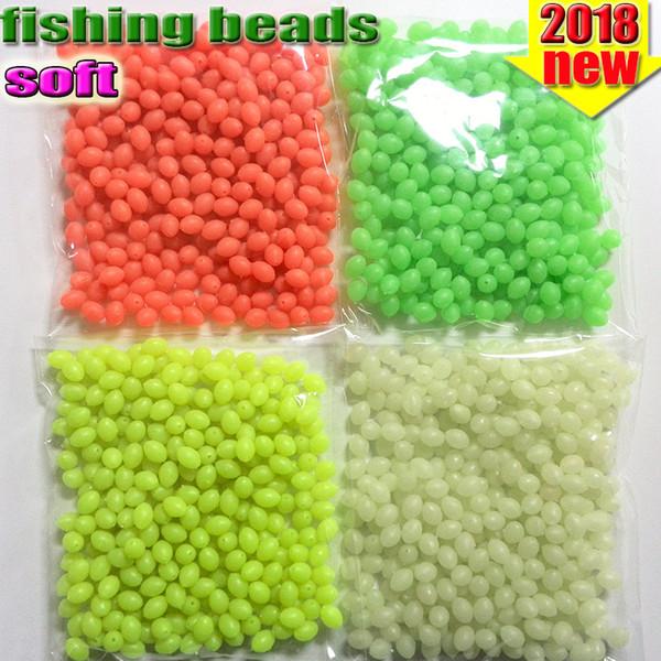 perles de pêche ovales lumineux 300pcs / lot perles de pêche en plastique leurre lueur dans la couleur foncée rouge jaune blanc vert