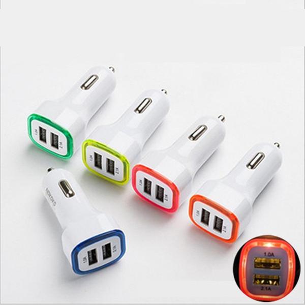 Luz LED doble adaptador de cargador de coche USB 5V 2.1A + 1A diseño de cohete cuadrado para teléfono inteligente 200PCS / LOT