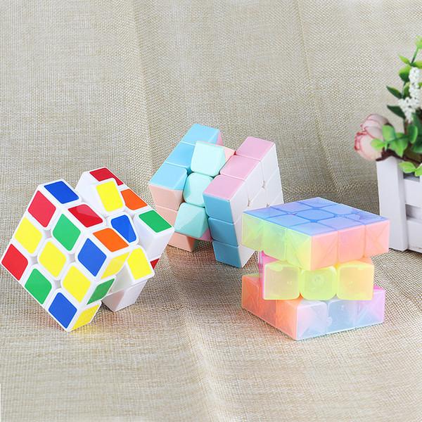 5.5 cm Glow In Dark Noctilucent Éducative Magic Cube Intelligence Apprentissage Éducation Jouet IQ Améliorer Puzzle Challenge Décompression Cadeau