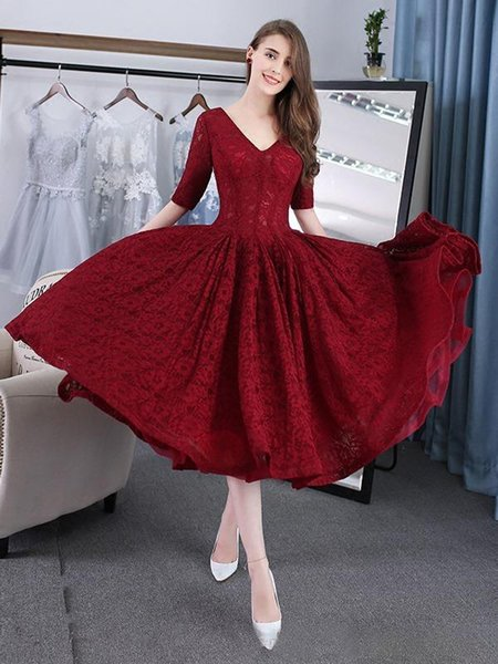Burgundy Lace Homecoming Dresses Tea Length Half Sleeves V-Neck Lace Up A-Line Plus Size Short Prom Gown 2019
