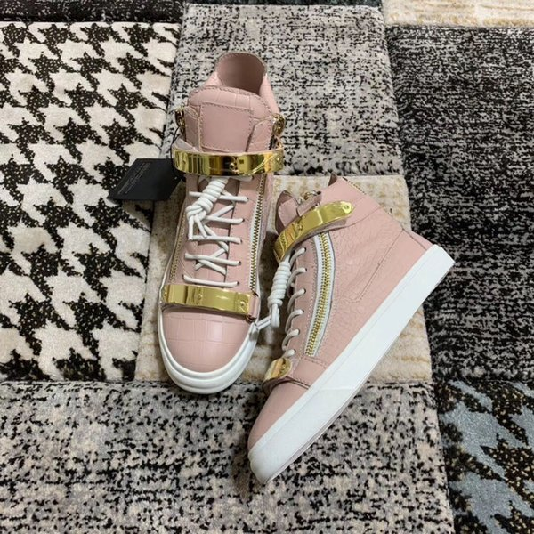 Arbeiten Sie populäre Mens-Frauen-Turnschuh-rosafarbene Samt-Steindruck-lederne Metallketten-High-top beiläufige flache Schuhe um freies Verschiffen