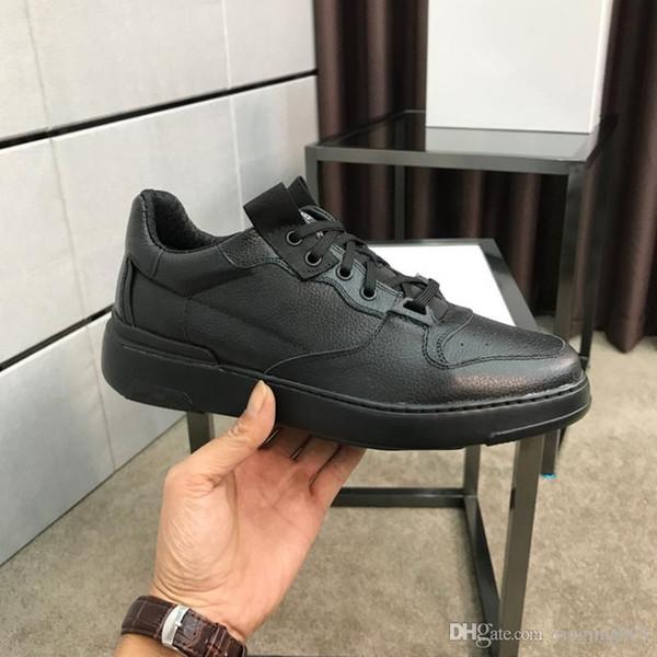 2019 nuovi uomini di arrivo modo delle donne pattini casuali di lusso del progettista delle scarpe da tennis superiore Vera Pelle Bee ricamato ht19111102