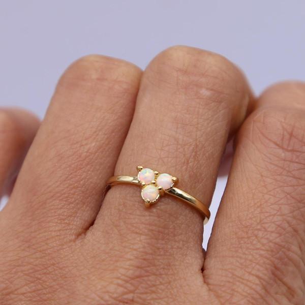 2018 neue Art-weiße runde Opalring-Goldfarben-hochwertige Art- und Weiseempfindliche und reizend Frau schellt Großhandelsfabrikgröße 6 7