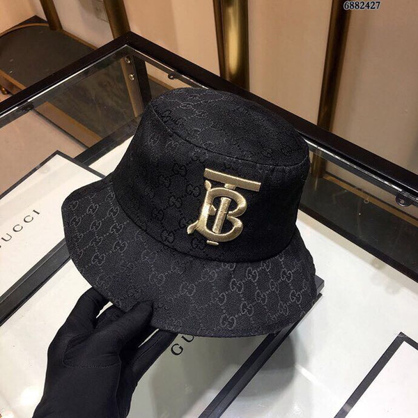 019 original single couple fisherman hat, high-quality monogram embroidery printing, foldable, easy to carry, casual and comfortable style,