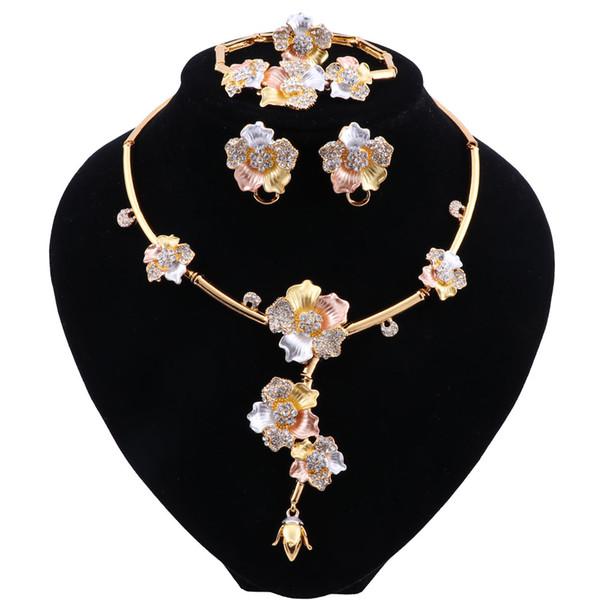 Set di gioielli di lusso Dubai Collana di cristallo Orecchini ad anello in oro Bracciale per donna Set di gioielli da sposa Accessori Regali