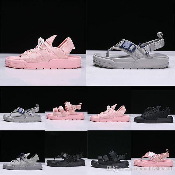 2019 Hommes Femmes Sandales Designer été caoutchouc Sandales plage Diapo Mode Scuffs Chaussons Chaussures Indoor 36-44 EUR