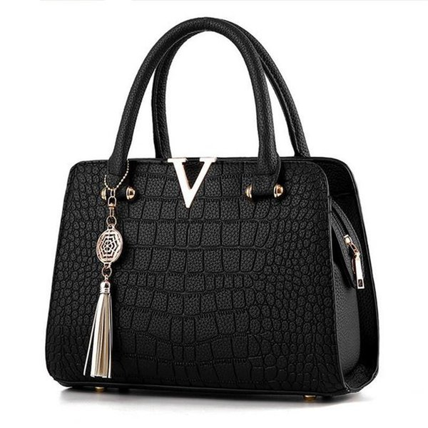 6d99ebba4178 Woman Fashion Crocodile Leather V Letters Designer Handbags Quality Lady  Shoulder Crossbody Bags Fringed Messenger Bag Genuine Name Brand Purses ...