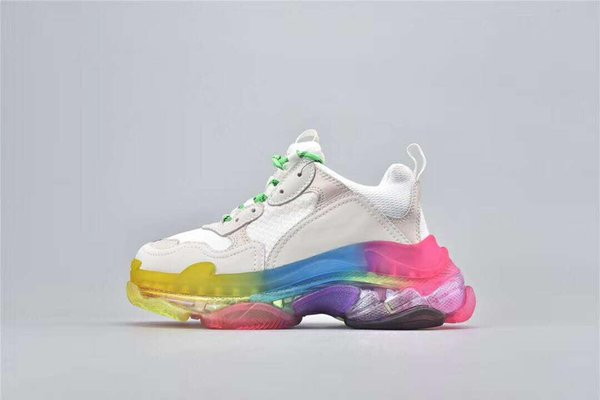 Mens Fashion 17FW Triple S Crystal Bottom Dad Casual shoes for Women's Black Cheap Sports Triple S Clear Sole Designer Shoes Size 36-45 A01