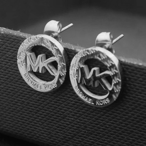 top popular New Arrival Top Quality Alphabet solid titanium steel stud earrings classic design extravagant letter 3 colors earrings for women jewelry 2021