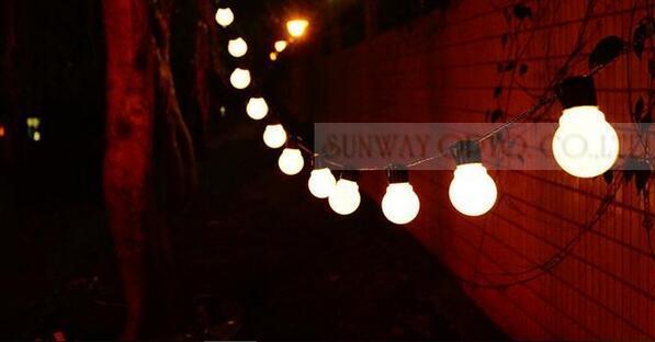 5 cm LED Boule De Noël Fée Lumières Guirlandes Accueil En Plein Air De Vacances Décoratif De Mariage Ficelle Bande Strip Party Décorations Lumière