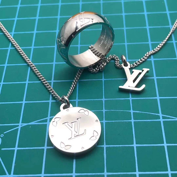Designer Branded New Arrival woman Enamel Stainless Steel Double Lucky Lock Pendant Shell Letter Necklace Men Jewelry Wholesale Gift
