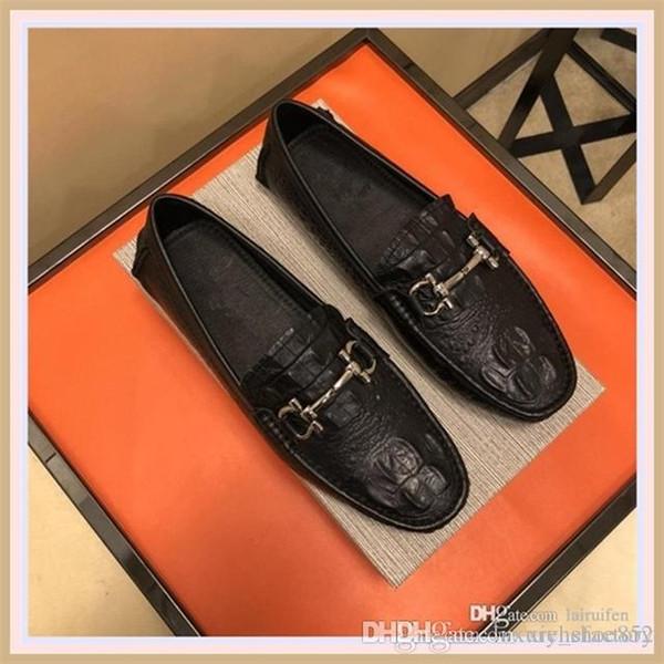 2019 YENİ Sneakers Kırmızı Alt ayakkabı Düşük lükstasarımcıErkekler Ayakkabı Parti Düğün kristal Deri Sneakers I01 için Kes Süet spikeShoes