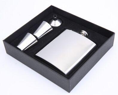 Frascos de prata Set 7 oz Hip Fask 2 Copos Set Aço Inoxidável Frascos de Vinho Pote De Espuma De Espuma De Um Interior e Caixa de Presente