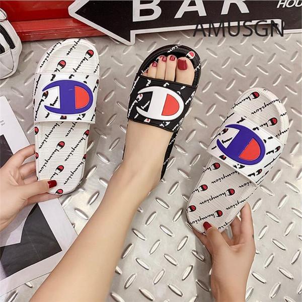 Unisexe Champion Hommes Femmes Designer Sandales D'été Marque Pantoufles Mules Slip On Flip Flops Sandale Plate Plage Bain De Pluie Mode Chaussures A52406