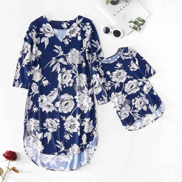 Anne Ve Çiçekler Yarım Kollu Elbiseler 2019 Aile Eşleşen Giyim Anne Ve Kızı Elbise Anne Ve Bebek Kız Aile Bak