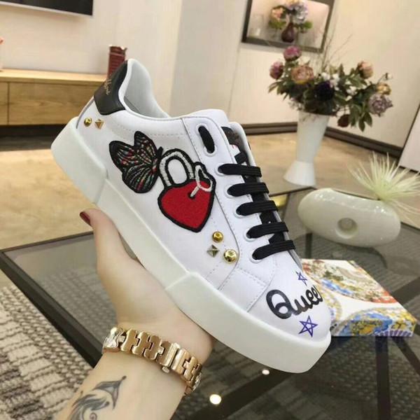 Novo Designer Clássico de Couro Genuíno Das Mulheres Sapatos de Arena Plana Moda Top Designer Lace Up Sapatos Ao Ar Livre Sapatilhas hc18111603