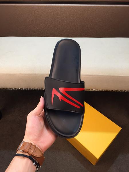 İyi Erkek Kadın Sandalet Tasarımcı Ayakkabı Lüks Slayt Yaz Moda Geniş Düz Kaygan Sandalet Marka Flip Flop ile Kutu Boyutu 38-44 B104742Y