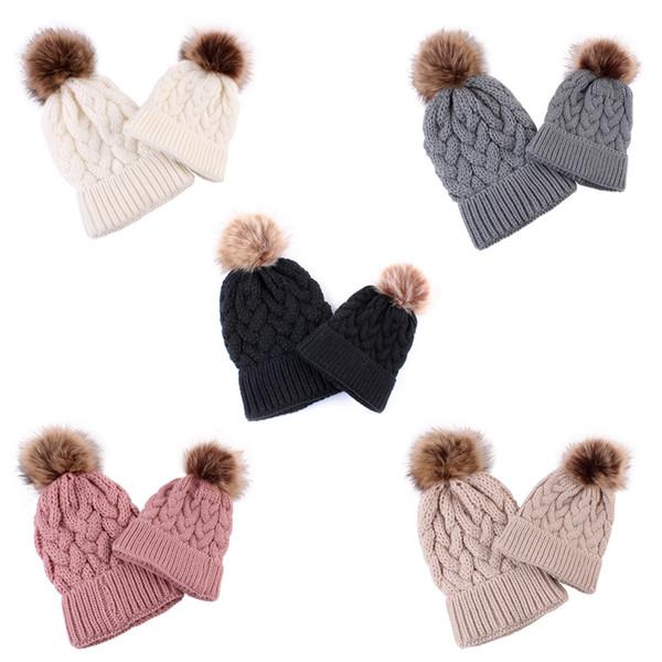 Sombrero de punto para padres e hijos Cute Baby Winter Warm Pompon Cap Madre Niños Pelota de piel Beanie Hat Outdoor Ski Cap LJJT1474
