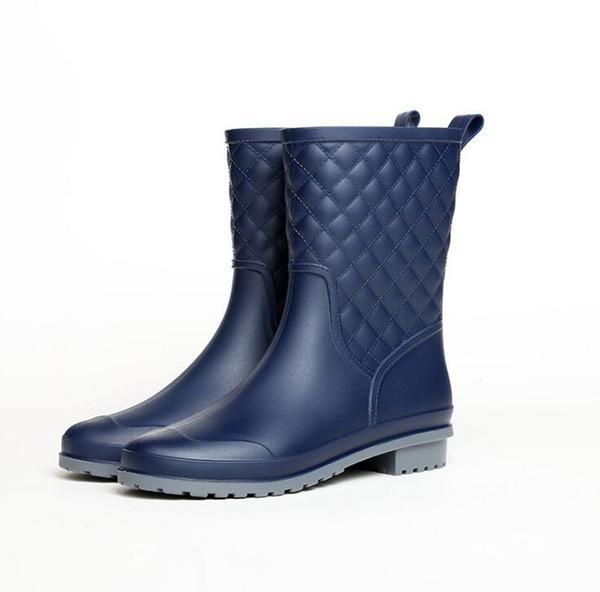 Botas de lluvia de mujer de colores mezclados Botas de goma para mujer Moda impermeable Rainboot antideslizante tacón bajo zapatos de mujer gbnyu