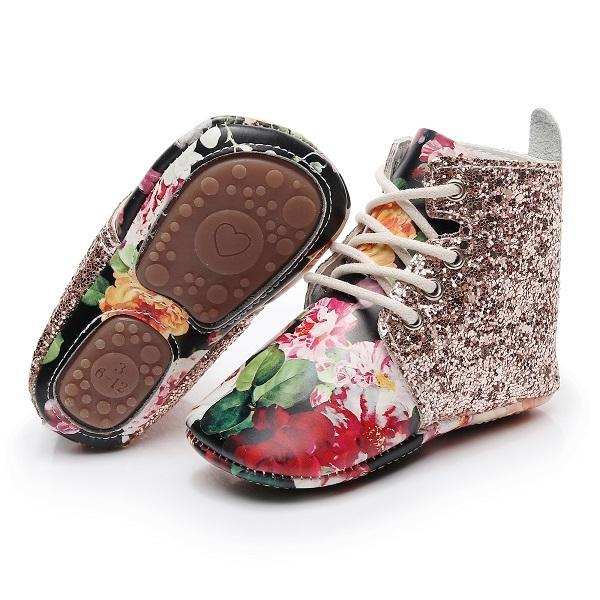 Hongteya New Arrival Sequins Glitter Genuine Leather Baby Moccasins With Rubber Sole Toddler Boots Floral Infant Shoes For Girls Y19051504