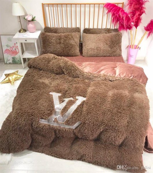 Brown L Letter Bedding Sets New Men And Women Bedroom Bed Cover Suit Winter  Luxury Bedding Cover Super King Bedding Full Size Bedding From Joomcc, ...